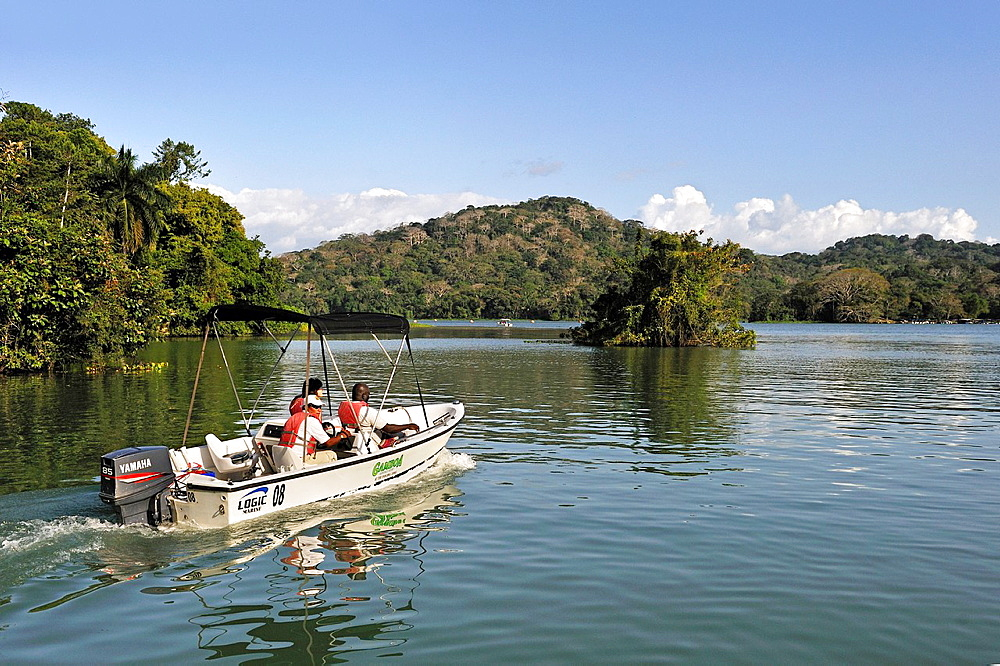 boat trip on the Chagres River, Soberania National Park, Republic of Panama, Central America