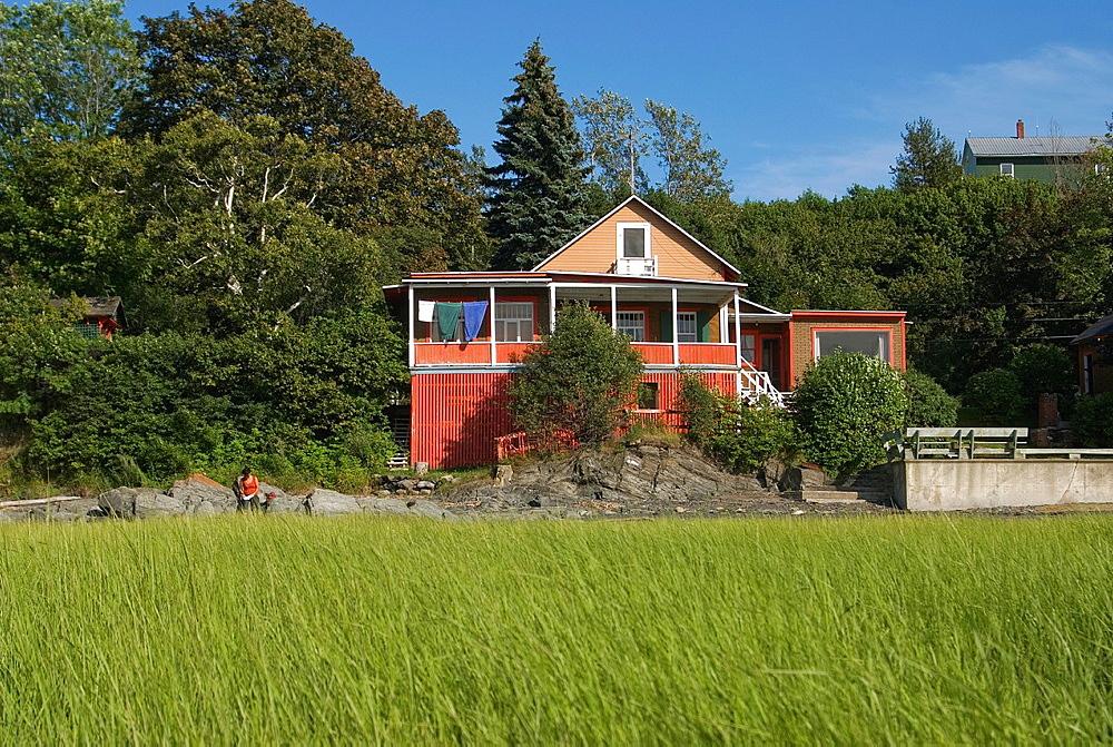 villa on Saint-Lawrence river bank around Kamouraska, Bas-Saint-Laurent region, Quebec province, Canada, North America