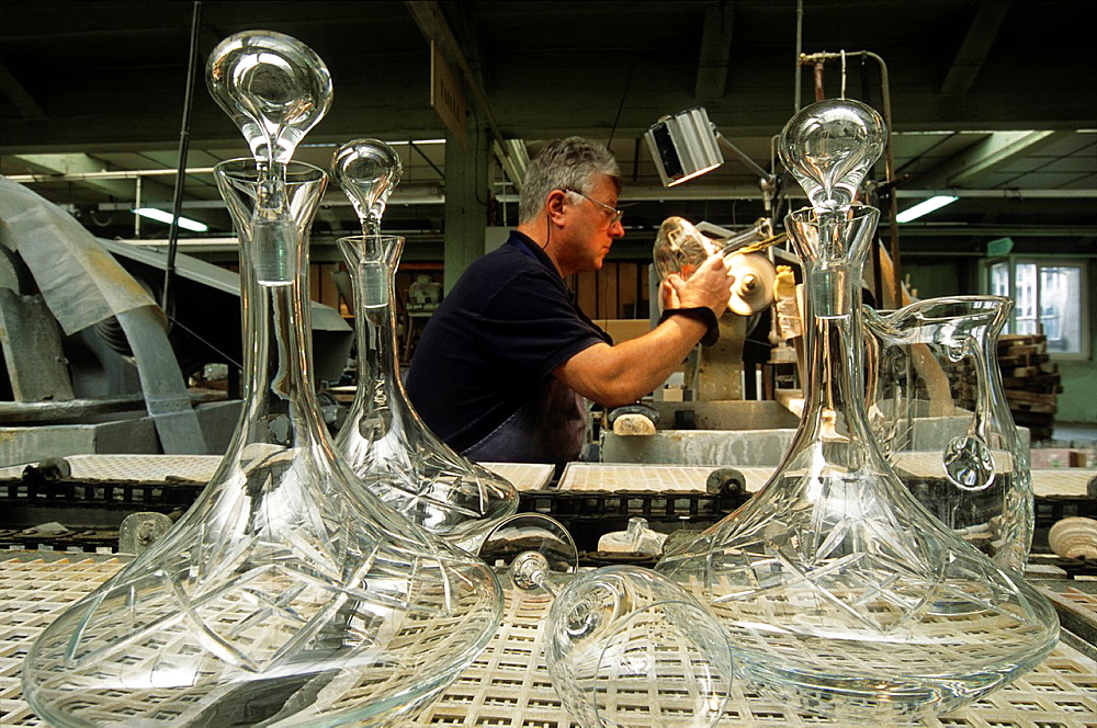 cutting crystal carafes, Hartzviller Crystalworks, Moselle department, Lorraine region, France, Europe