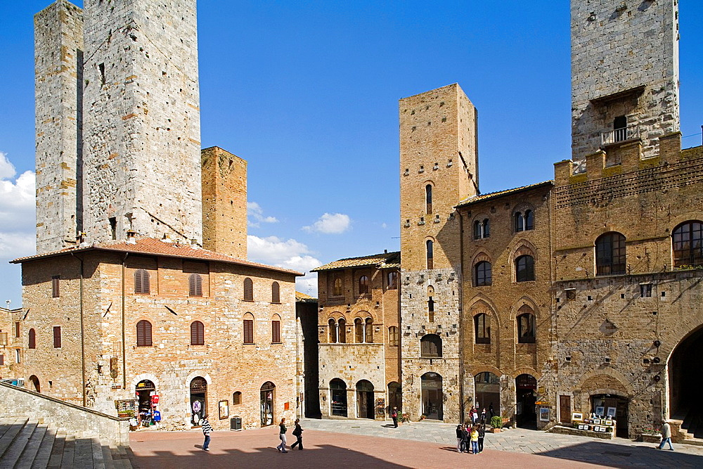 Europe, Italy, Tuscany, San Gimignano, Square Of The Cathedral