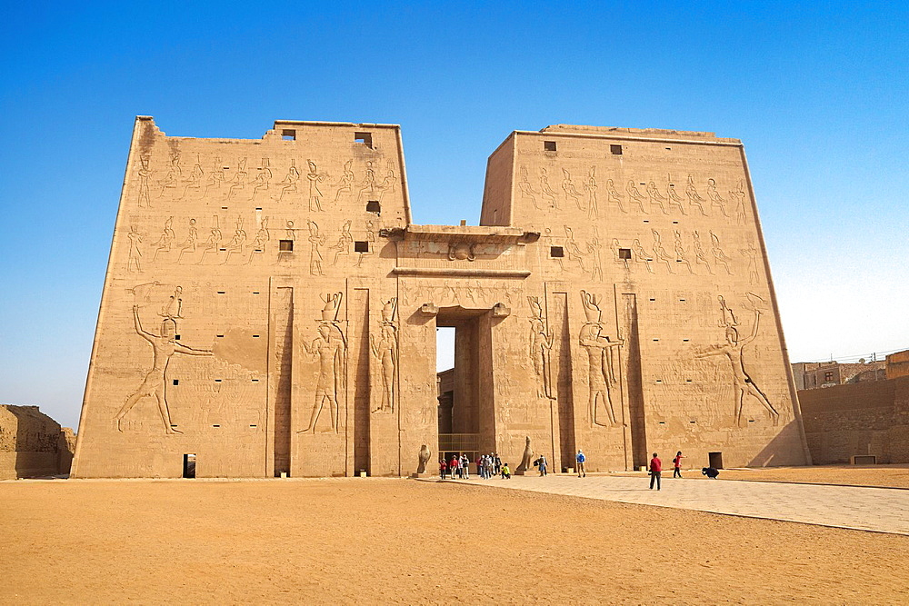 Edfu, Egypt, Temple of Horus, Edfu located on the west bank of the Nile River between Esna and Aswan, South Egypt