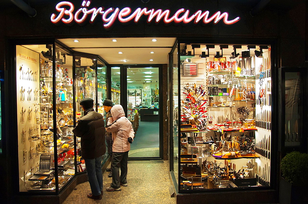 Ba∂rgermann shop specialising in knives and scissors Altstadt the old town Dusseldorf city North Rhine Westphalia region western Germany Europe.
