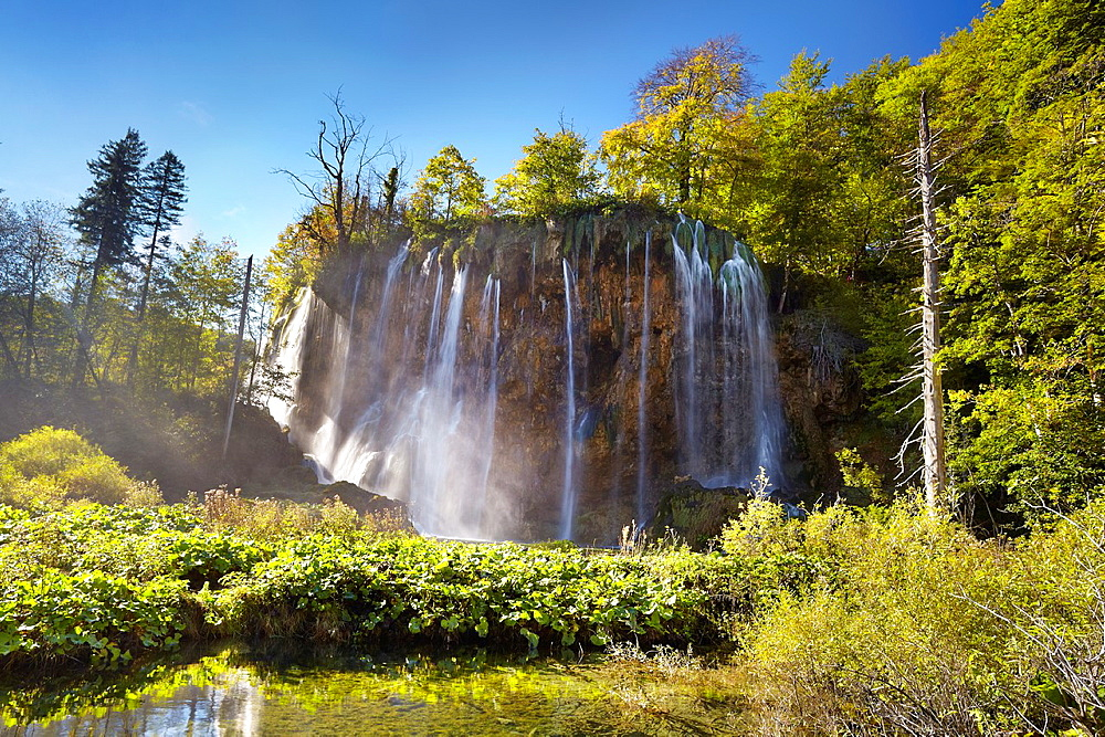 "Croatia, Plitvice Lakes National Park, waterfall ""Galovacky buk"" at the upper lakes, central Croatia, UNESCO."