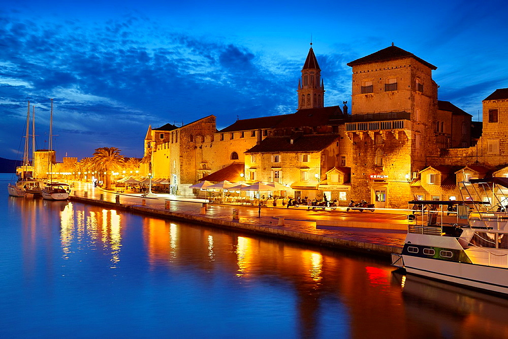 Croatia, Trogir by night, seafront harbor in the Old Town in Trogir, Dalmatia, Croatia, UNESCO.
