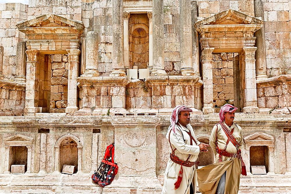 Theatre in jerash ruins. jordan. - 817-441686