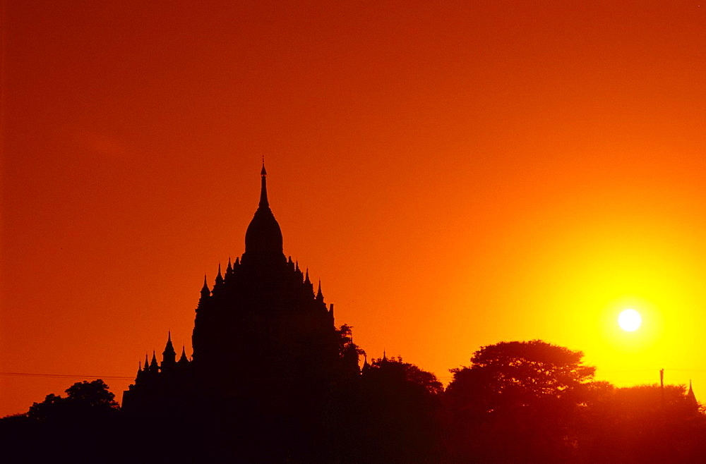 Silhouette of a temple in Bagan during the sunset