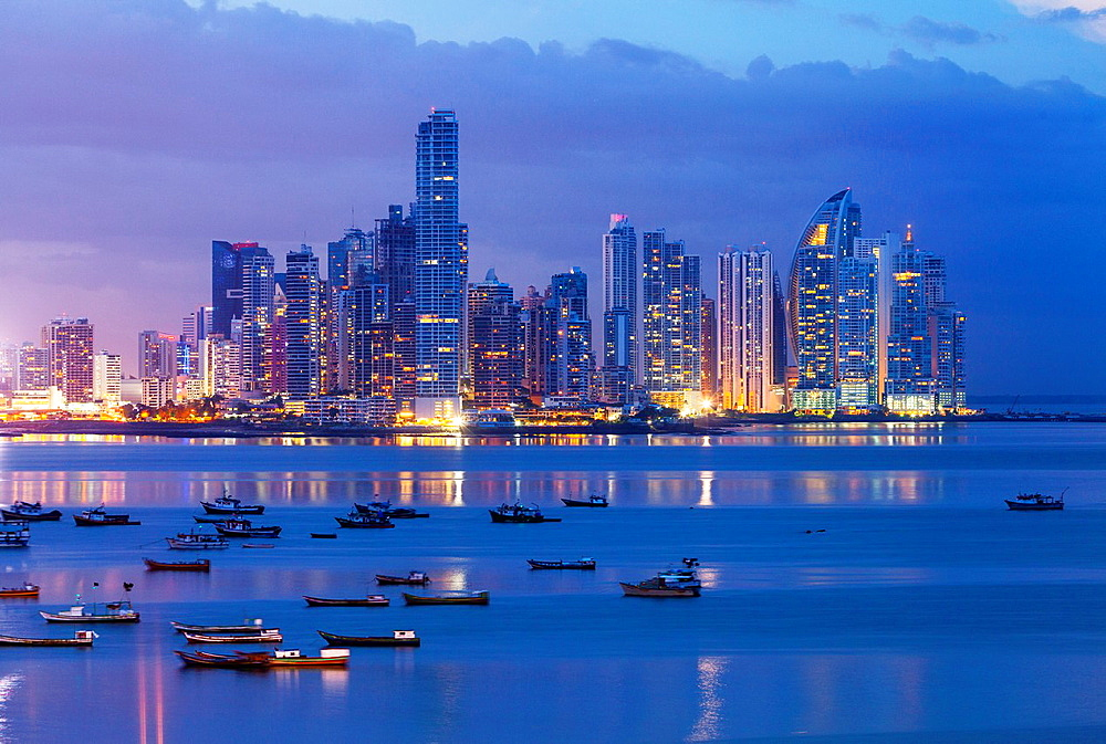 Skyline, Panama City, Panama, Central America, America.