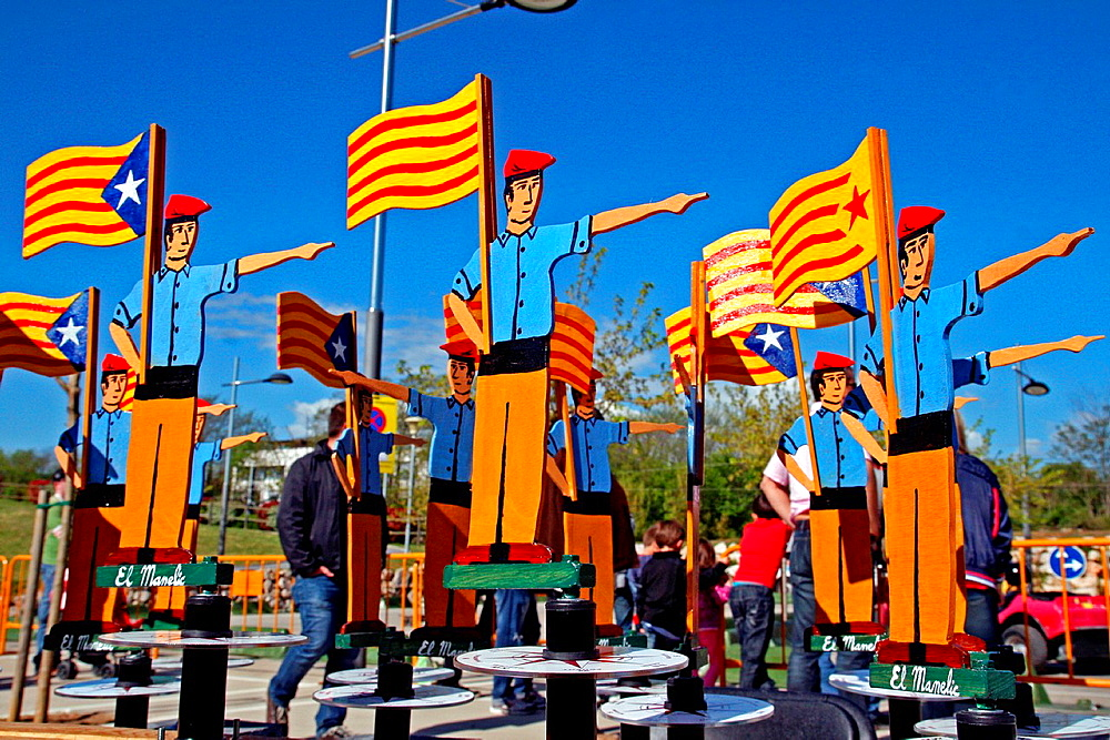 Compasses, Catalan Flags