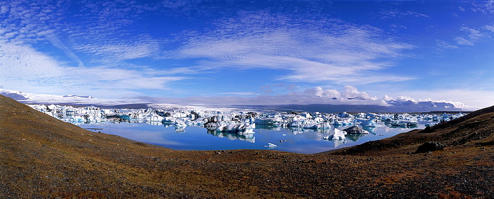 Icebergs, Jokulsarlon Glacial Lagoon, Iceland.