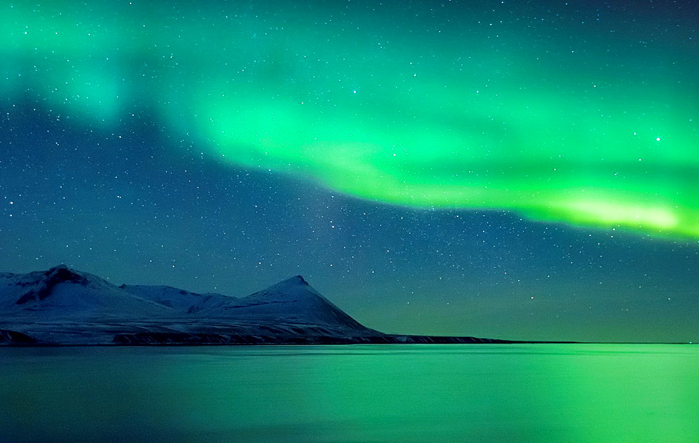 Aurora Borealis or Northern Lights, Kolgrafarfjordur, Snaefellsnes Peninsula, Iceland.
