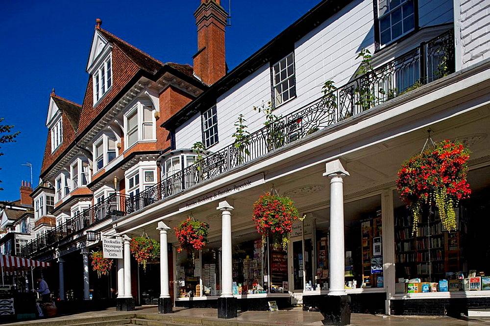 Tunbridge Wells, the Pantiles, 18th-century, arcaded walk, typical houses, Kent, UK