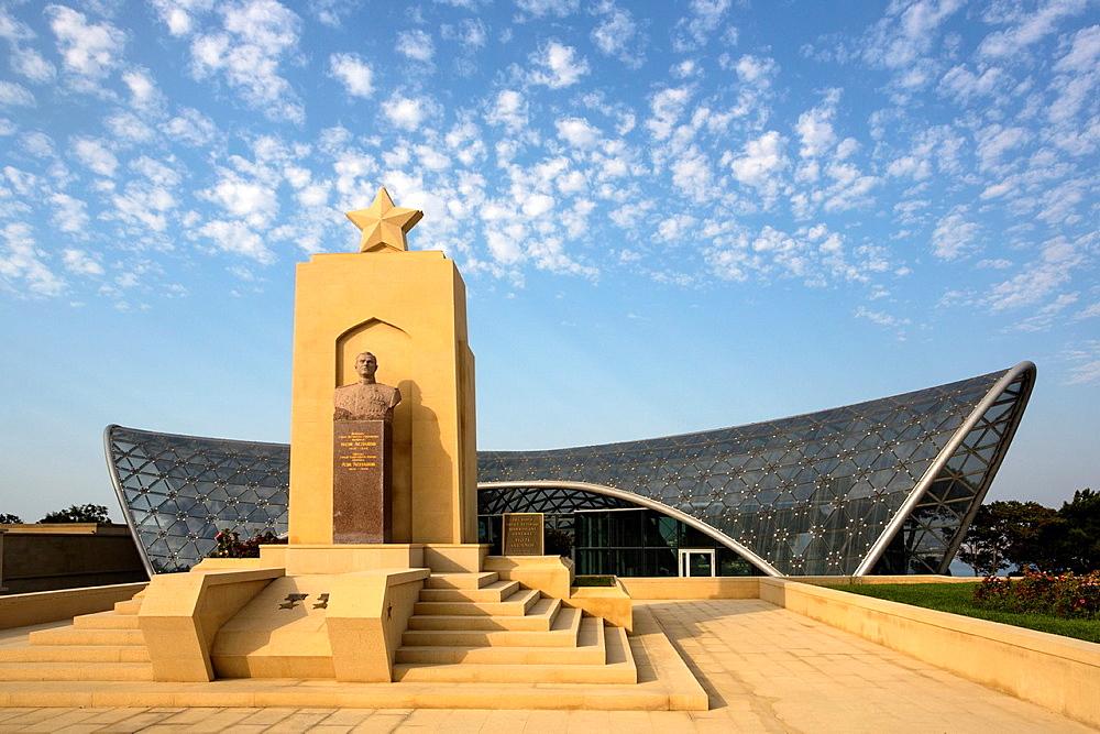 Azerbaijan , Baku City,Monument to H. Aslanov at Shadhidlar Hiyabani.