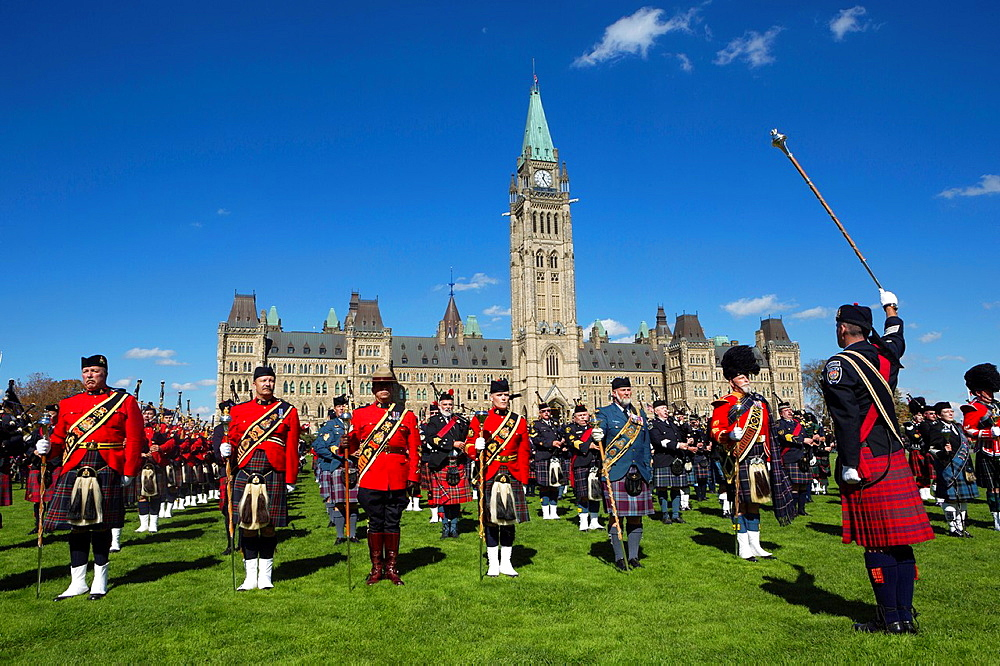 Canada , Ottawa City ,Parliament Hill, Parliament Bldg. Central Block , Parade.