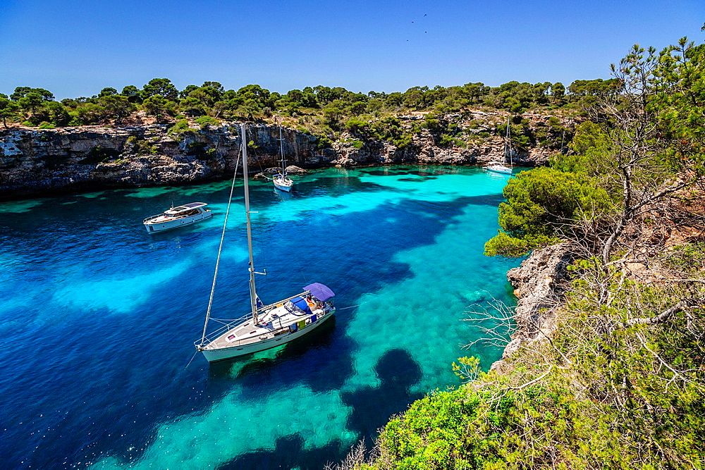 yachts anchored, Cala Pi, Llucmajor, Migjorn region. Mallorca. Balearic Islands. Spain.