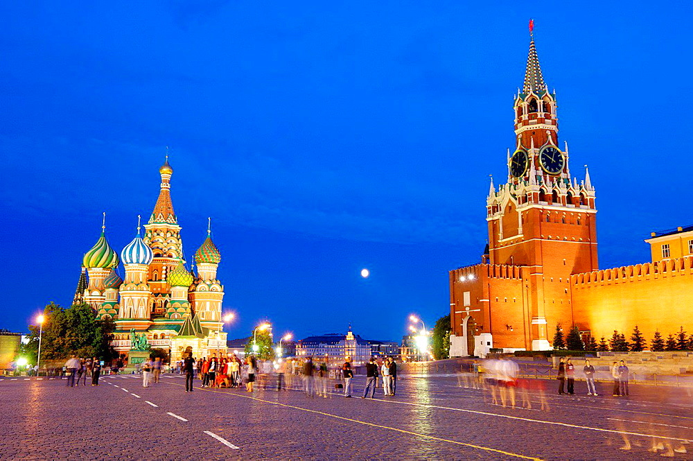 Cathedral of St. Basil and Kremlin in Red Square, Moscow, Russia.