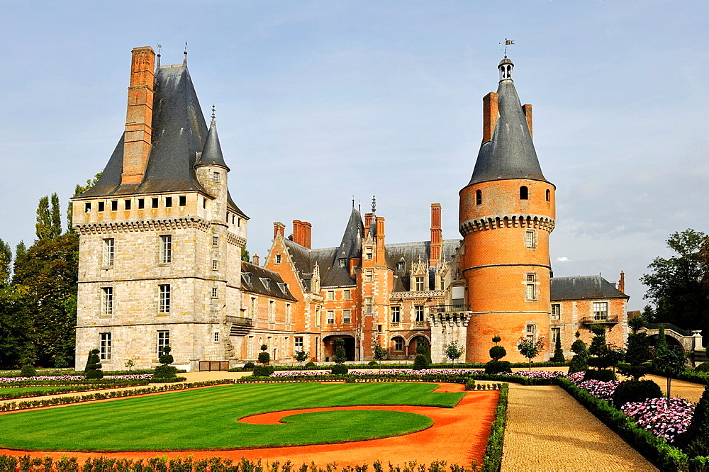 French formal garden style laid out by the master gardener Patrick Pottier according to the plans of Andre Le Notre the famous gardener of King Louis XIV, Chateau de Maintenon, Eure & Loir department, region Centre, France, Europe.