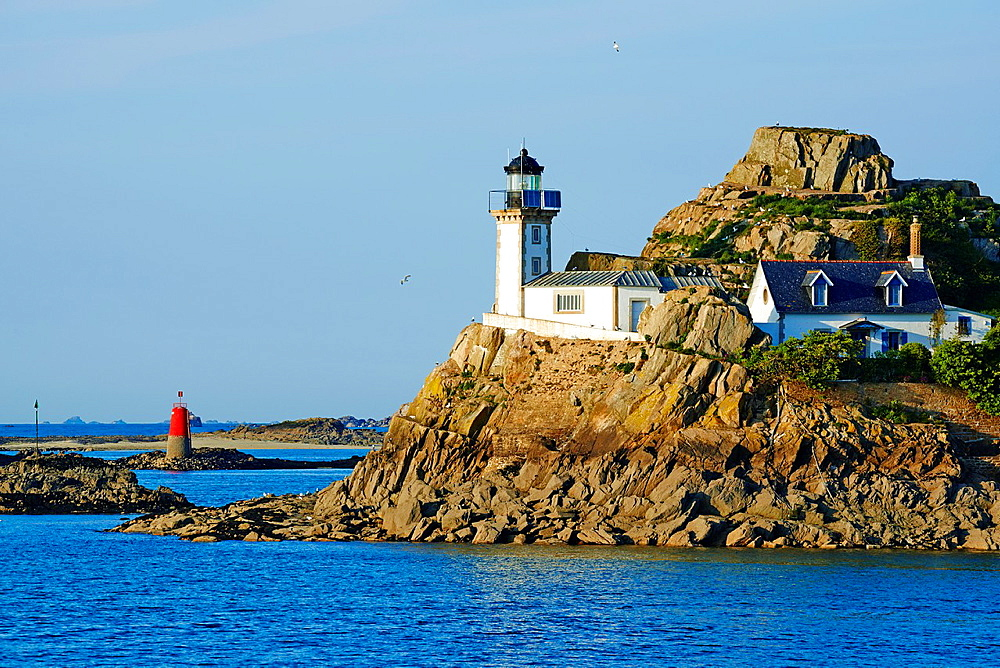France, Briitany, Finistere, light house on Louet island.
