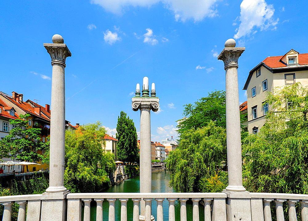 Ljubljana, old town, Shoemakers bridge,Cevljarski most, Sustarksi most, Slovenia.