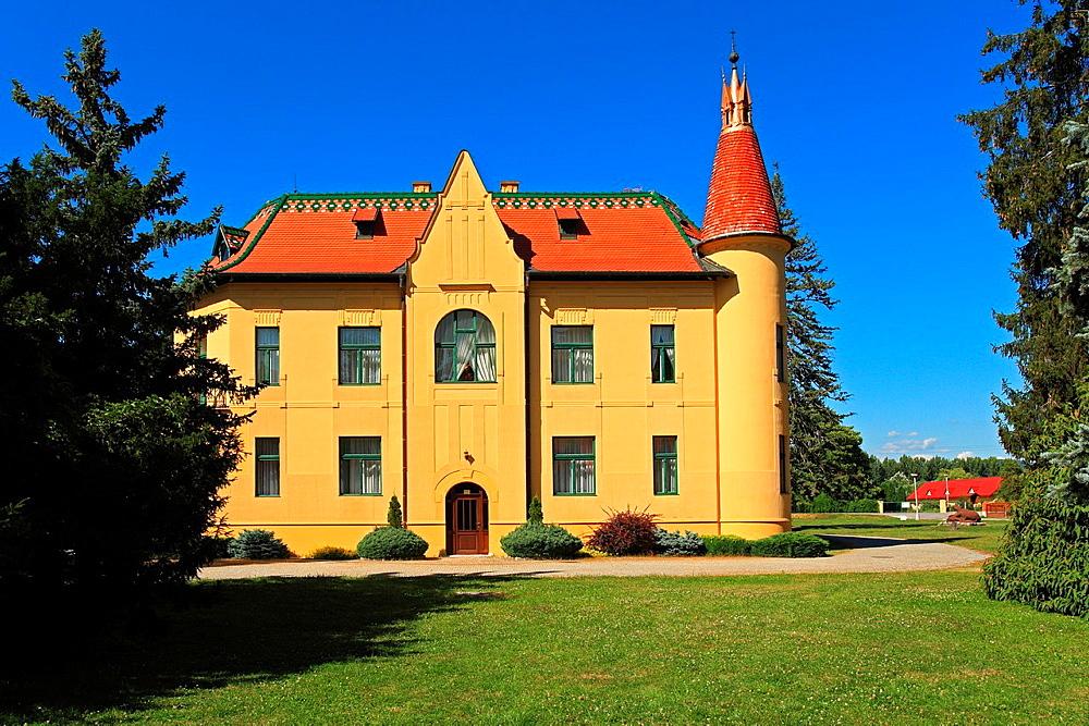 Polovnicky zamok (Hunters' manor house), Topolcianky, Slovakia.