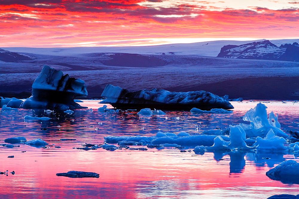 Jokulsarlon glacial lake. Iceland, Europe.
