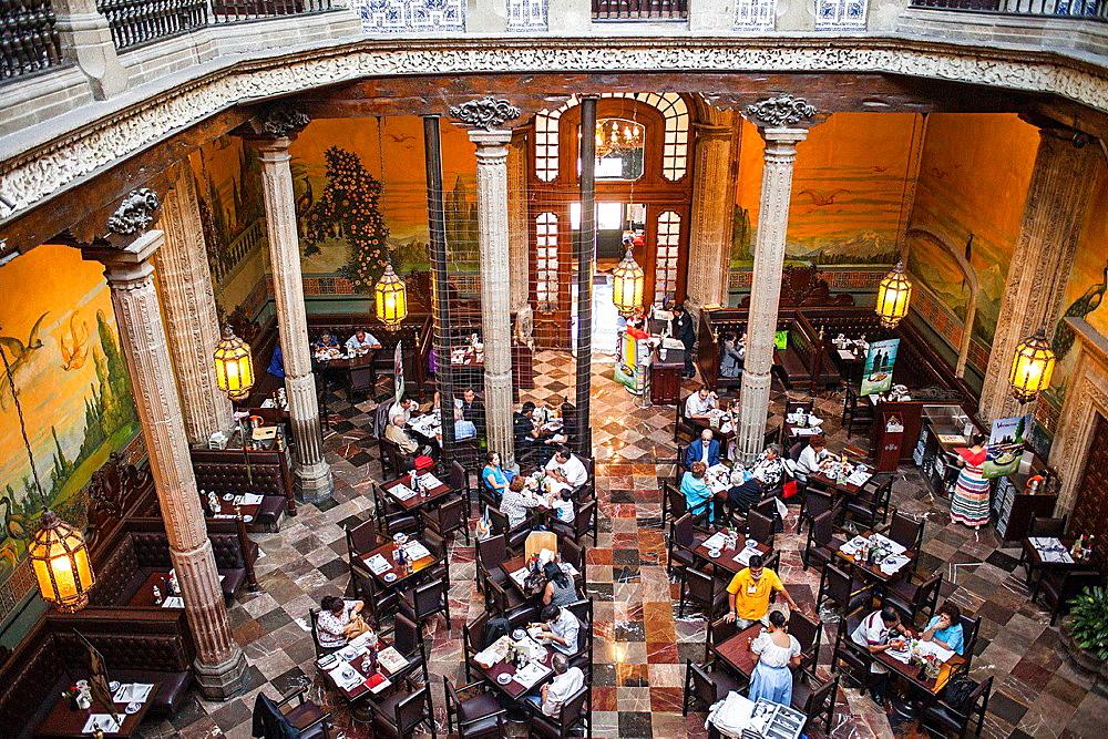 Casa de los Azulejos (House of Tiles), restaurant, Mexico City, Mexico.