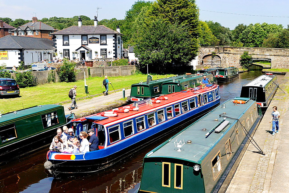 Narrowboats at Trevor canal basin on the Llangollen Canal at Pontcysyllte aqueduct near Wrexham, Wales, UK.