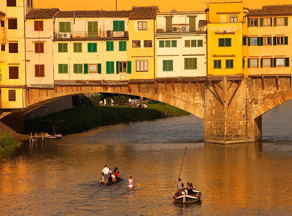 Ponte Vecchio, Old Bridge, Arno River, Florence, Tuscany, Italy.