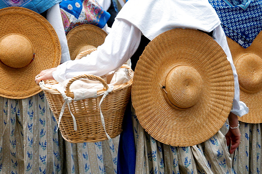 Europe, France, Alpes-de-Haute-Provence, 04, Regional Natural Park of Verdon, Valensole. Provencal lavender festival. Washerwomen with their basket. Detail.