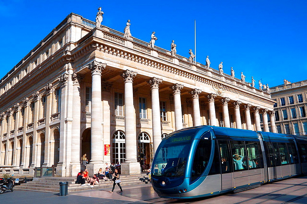 Le Grand Theatre, Place de la Comedie, Bordeaux, UNESCO World Heritage Site, Bordeaux, Gironde, Aquitaine, France, Europe.