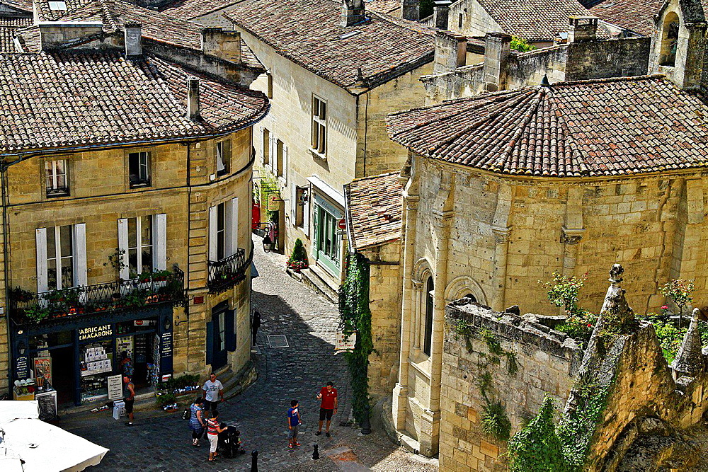 Village of Saint Emilion in the Bordeaux Wine-Growing Region, France.