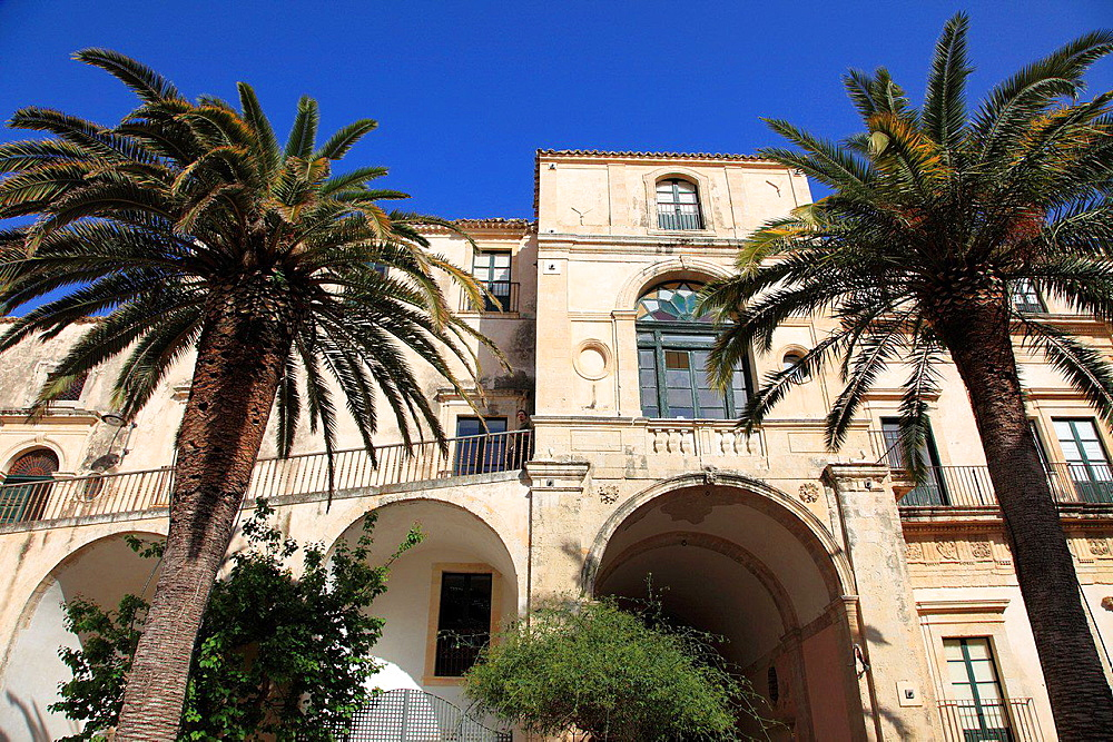 Italy, Sicily, Noto, Palazzo Nicolaci di Villadorata.