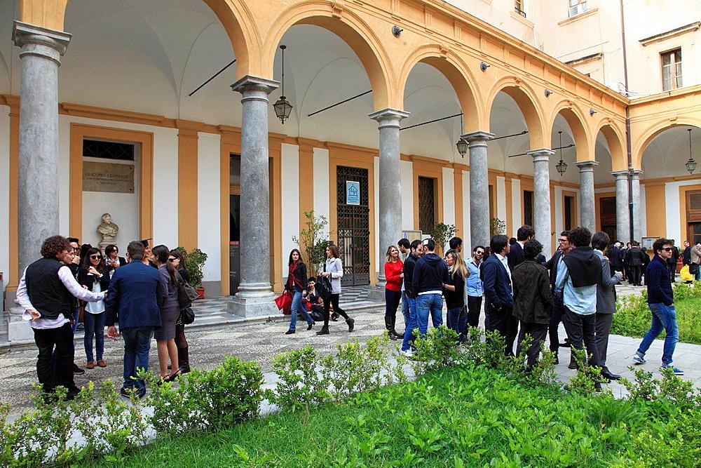 Italy, Sicily, Palermo, University, patio, students.
