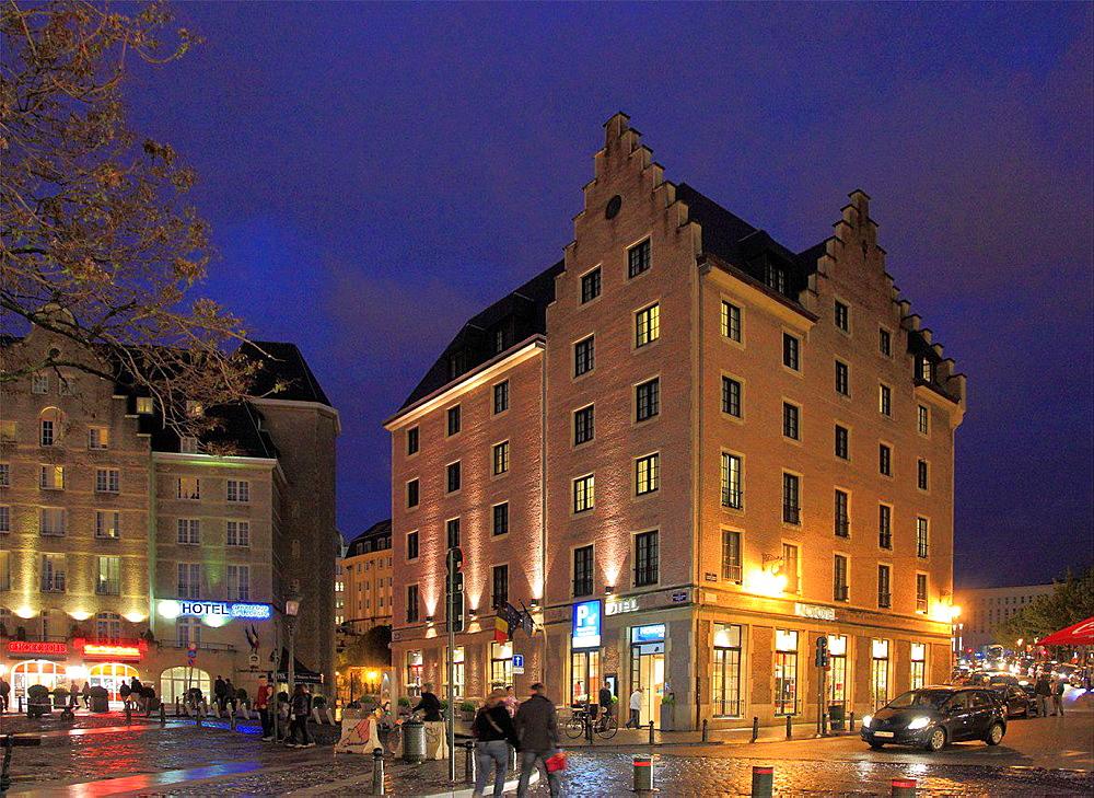 Belgium, Brussels, Marche aux Herbes, hotels, night.