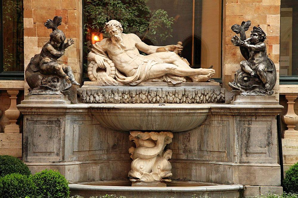 Belgium; Brussels; City Hall, courtyard, fountain.