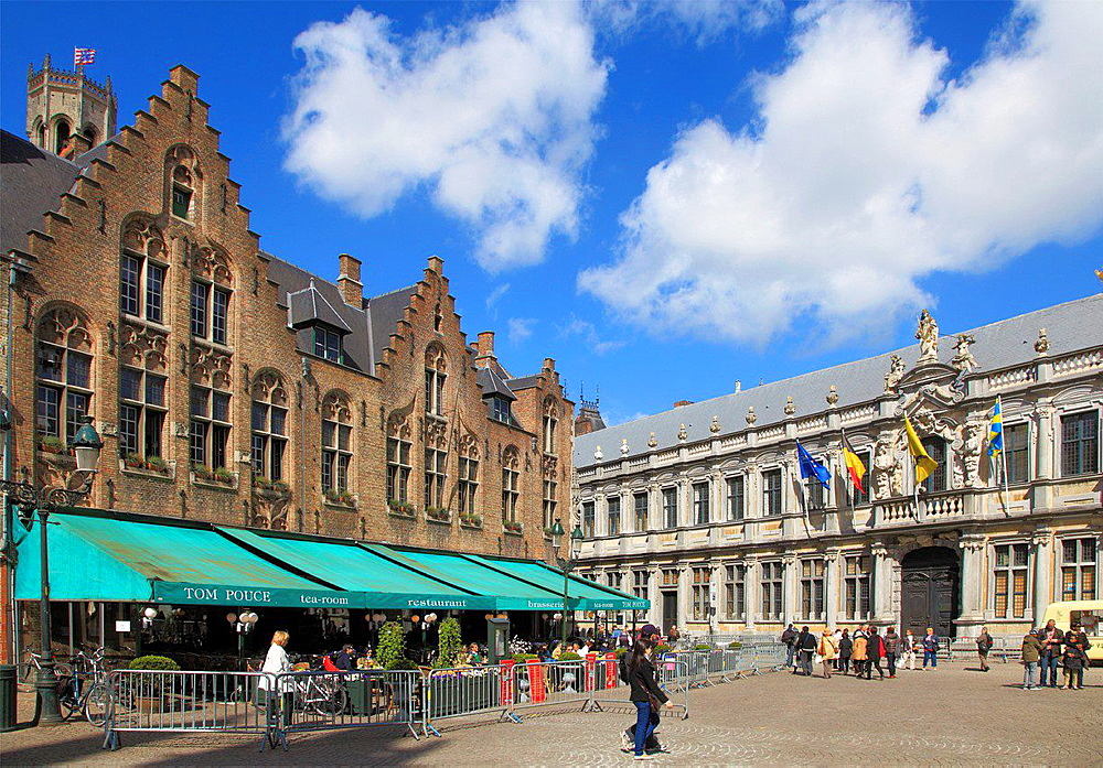 Belgium, Bruges, Burg, square, restaurants, people.