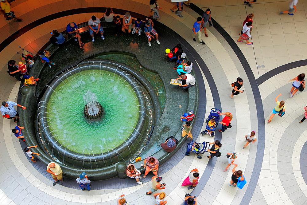 Canada, Ontario, Toronto, Eaton Centre, shopping mall,.