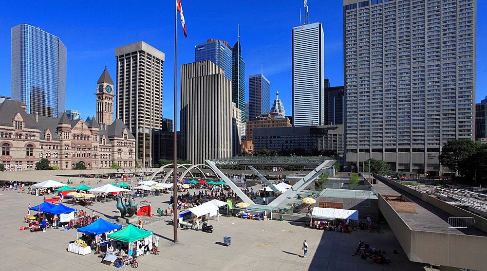 Canada, Ontario, Toronto, Nathan Phillips Square, skyline, festival, people,.