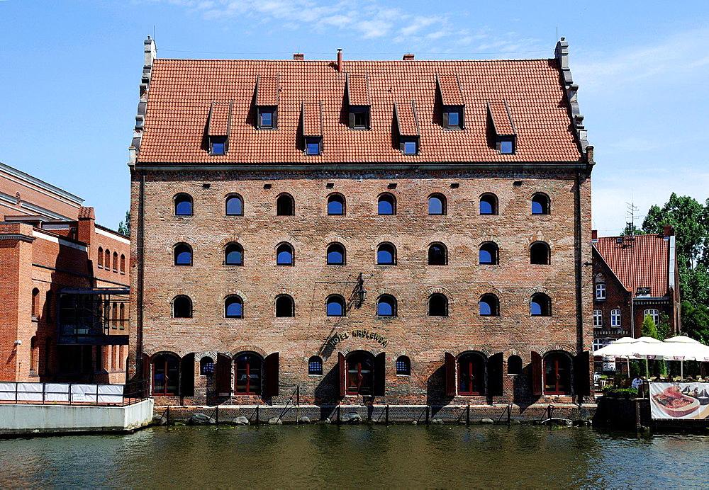 Hotel Krolewski, Old storehouse on the Motlawa in Gdansk