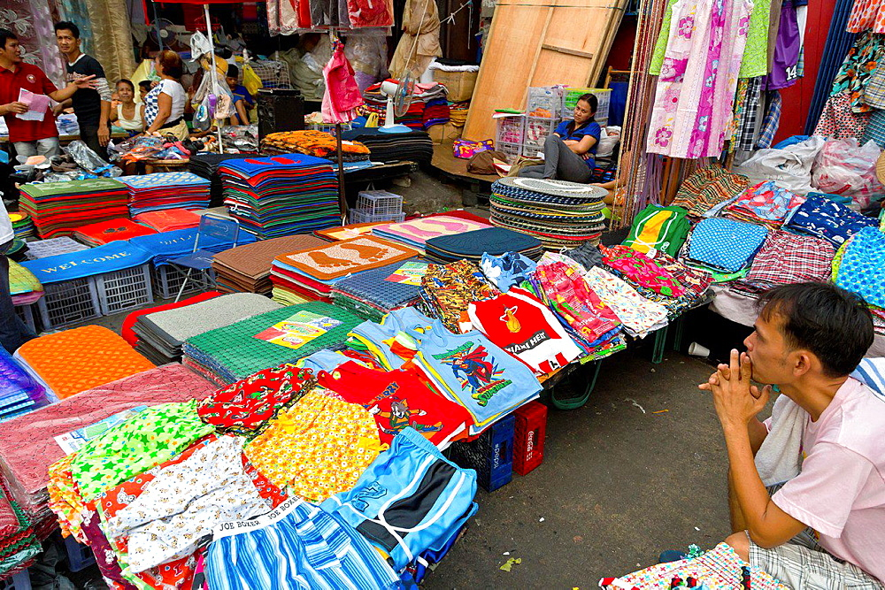 Scenery on the Divisoria Market in Manila, Philippines.
