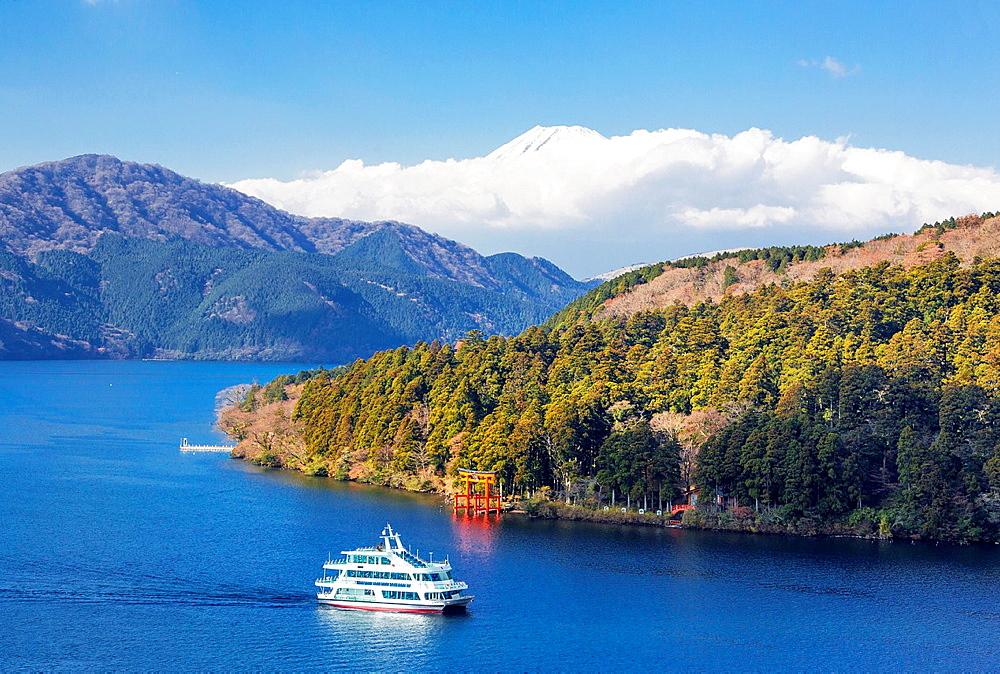 Japan, Hakone Lake, Torii Gate and mount Fuji.