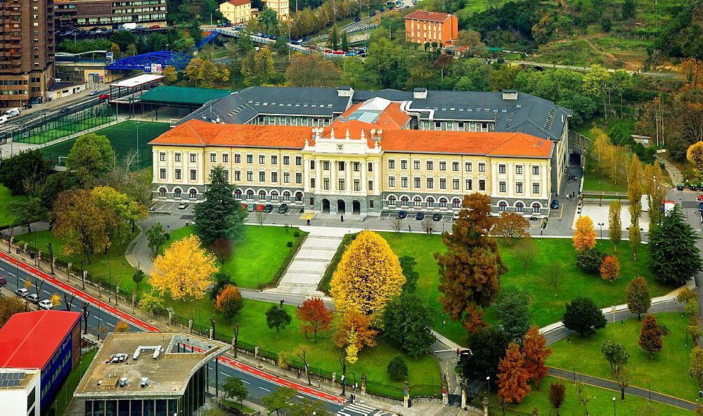 Universidad Comercial de Deusto.