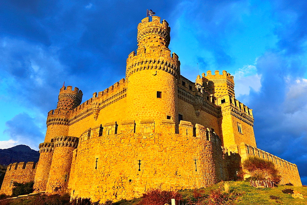 New Castle of Manzanares el Real, also known as Castle of the Mendoza, is a palace-fortress erected in the fifteenth century in the town of Manzanares el Real.