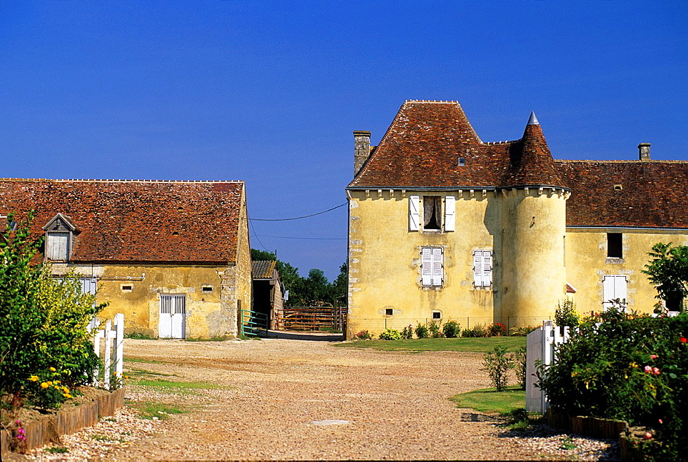 Les Chaponnieres Manor Farm, Saint-Cyr-la-Rosiere, Regional Natural Park of Perche, Orne department, Lower Normandy region, France, Western Europe.