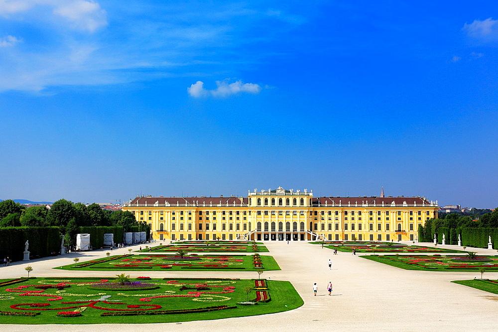 Schonbrunn Palace, Vienna, Austria.