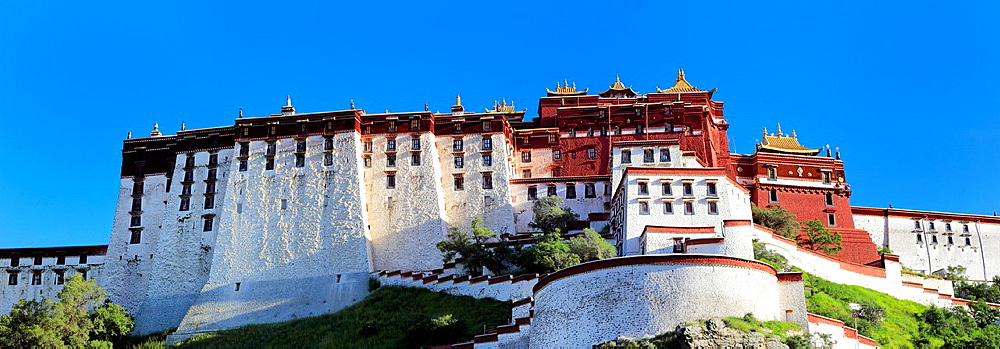 Potala Palace, Lhasa, Tibet, China.