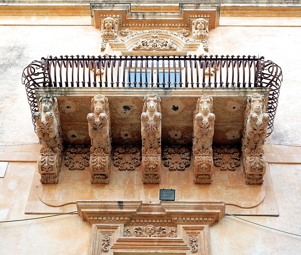 Balcony of baroque Villadorata palace, Via Nicolaci, Noto, Sicily, Italy.