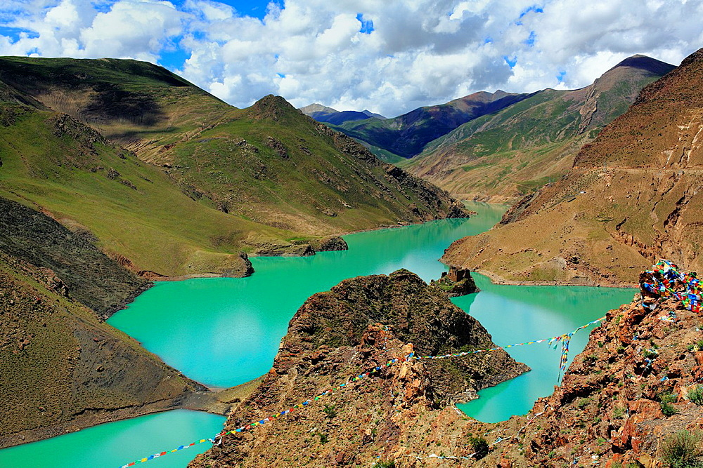 Simi La lake, Shigatse Prefecture, Tibet, China.