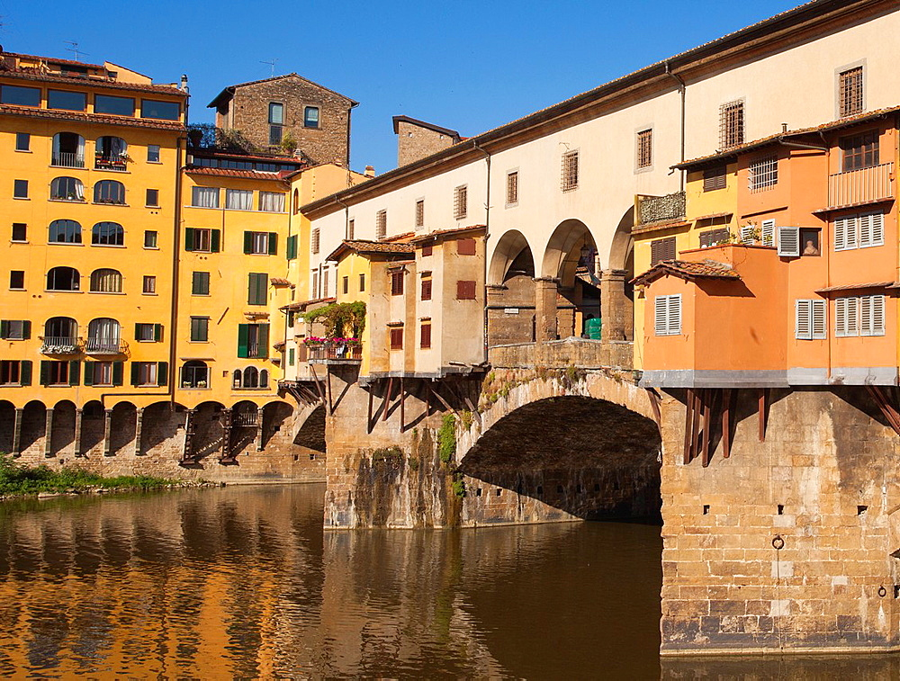 Ponte Vecchio, Old Bridge, Arno River, Florence, Tuscany, Italy, Europe.