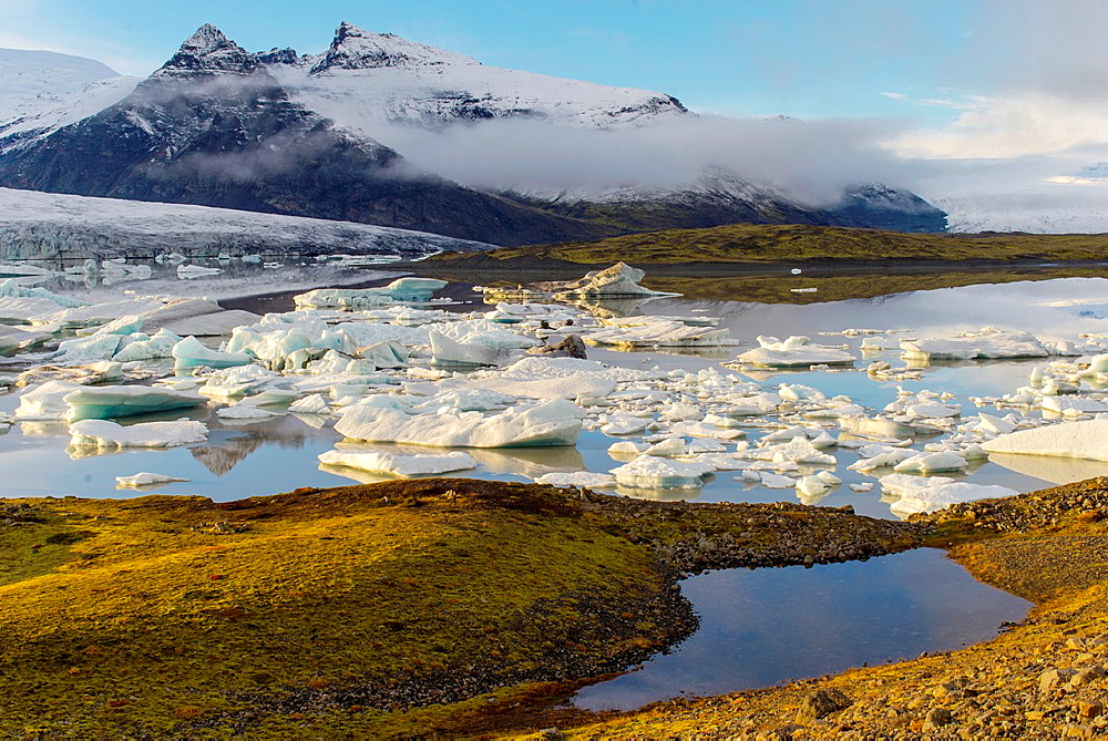Fjallsarlon glacier tongue, Vatnajokull National Park, Iceland.
