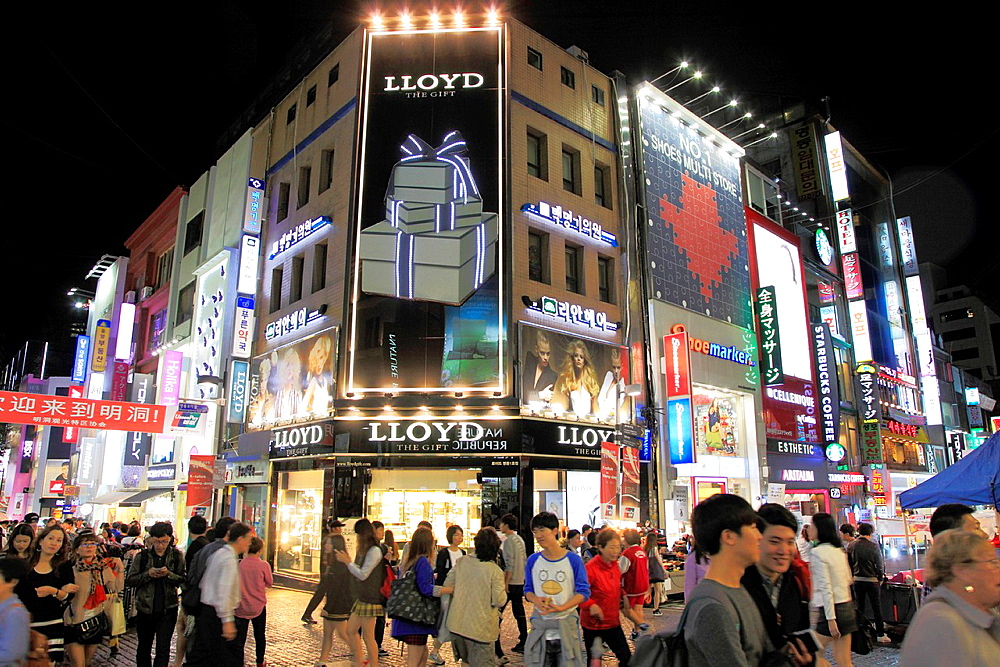 South Korea, Seoul, Myeong-dong, nightlife,.